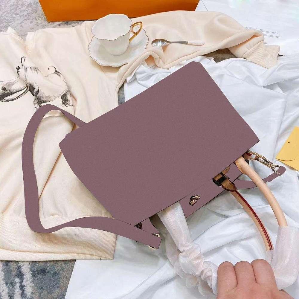 Advanced sense of leather female handbag 2020 new classic killer soft leather shoulder bag leisure joker inclined shoulder bag
