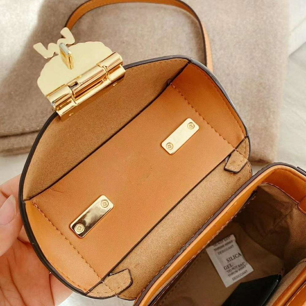 Female bag in the fall and winter of 2020 the new western style joker packet tide mobile inclined shoulder bag one shoulder