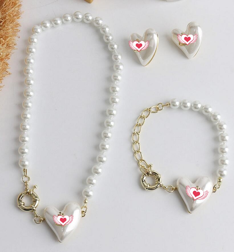 Niche satellite love pearl necklace female 2021 new net red star clavicle chain bracelet earrings free shipping