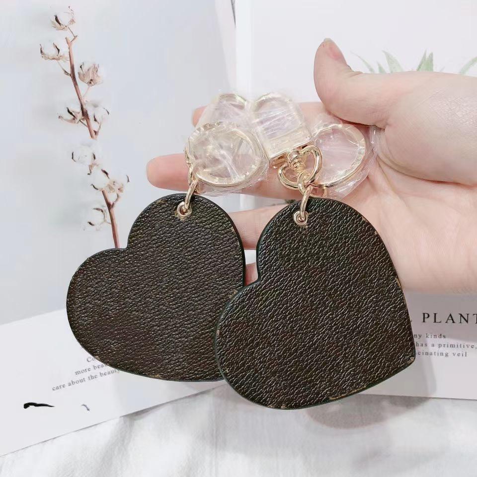 2021 Men Women Bags Pendant Accessories Luxury Key Buckle heart Car Keychain Handmade Designer L Leather Keychains