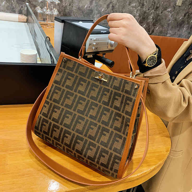 Luxury Handbags Bag 2021 new tot shopping portable large capacity Single Shoulder Messenger armpit canvas bag