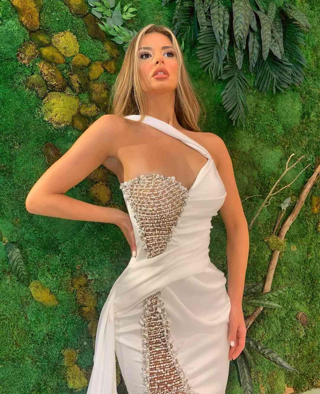 Elegant Mermaid Evening Dresses 2020 Side Slit Beading Long Prom Gowns Plus Size Saitn Red Carpet Dress