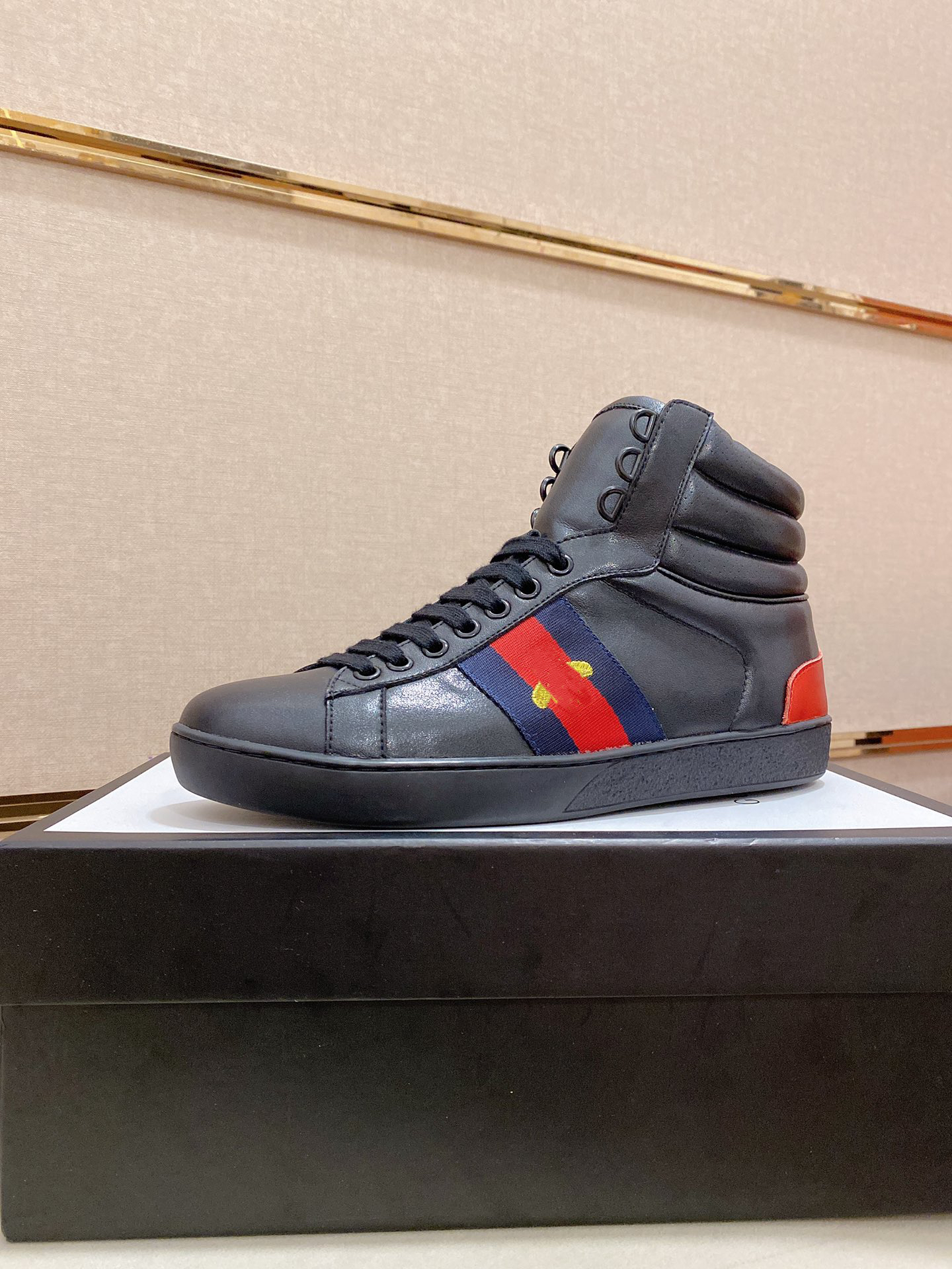 Italian tennis 1977 series high-top men's and women's basketball shoes printed red or black twill casual lace-up Little bee shoess outdoor fashion sports Luxury shoeses