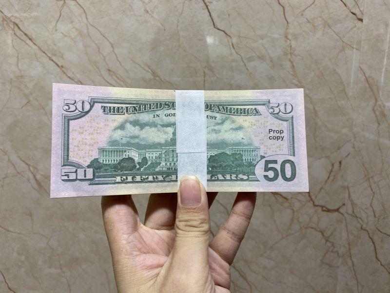 Fake Money US Dollar Banknote 5 10 50 100 US Dollar Banknote Flaunting Wealth Spraying Money Toys Film Money of Various Denominations