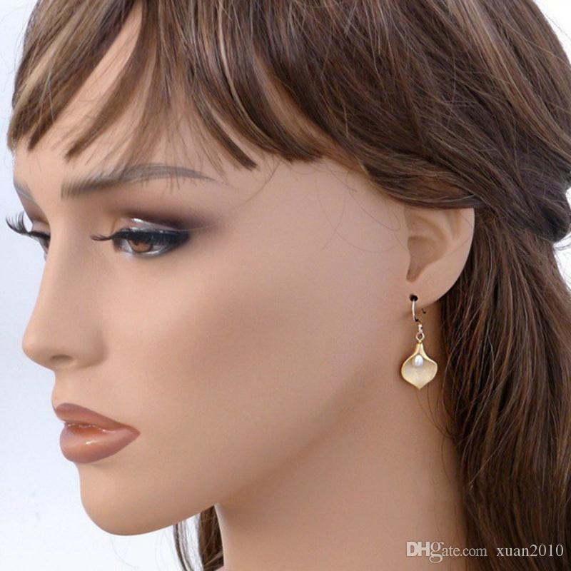 /Hot sale Flowers pearl Earrings European and American fashion ladies petal earrings silver & gold R-36