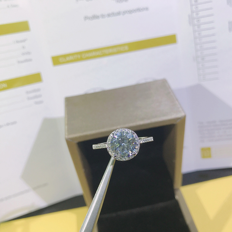 2.0ct 8.0mm EF Round 18K White Gold Plated 925 Silver Moissanite Ring Diamond Test Passed Jewelry Christmas Gift