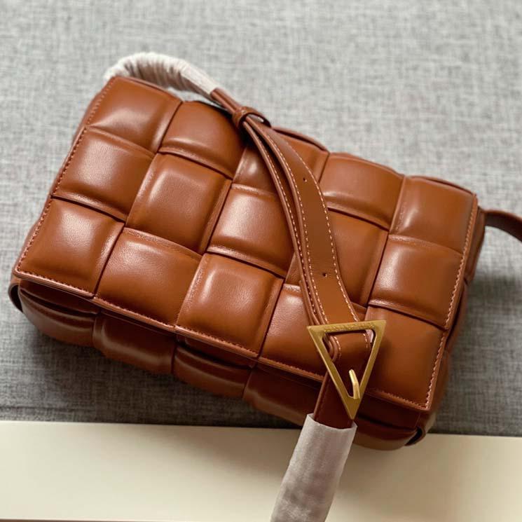 2021 Good quality Designer ladies bag and handbag womens shoulder bags Crossbody purses Woven solid color strap chain handbags Women Backpack