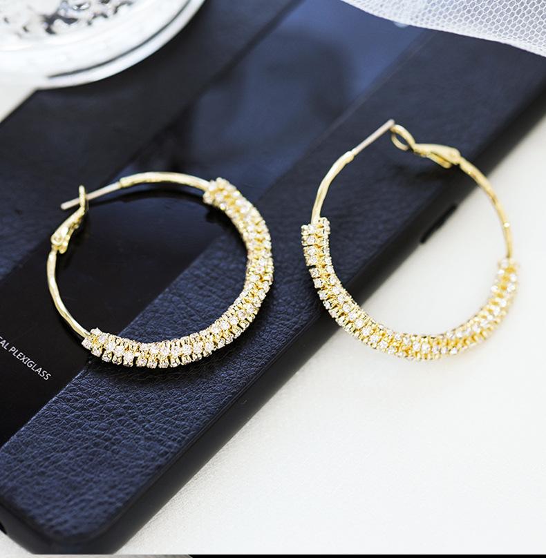 Earrings New Details_01.jpg
