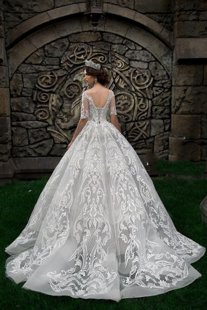 Luxury Lace Ball Gown Wedding Dresses Jewel Neck Half Sleeve Bridal Gowns Chapel Train Plus Size Dubai Cathedral Train Wedding Gowns Custom