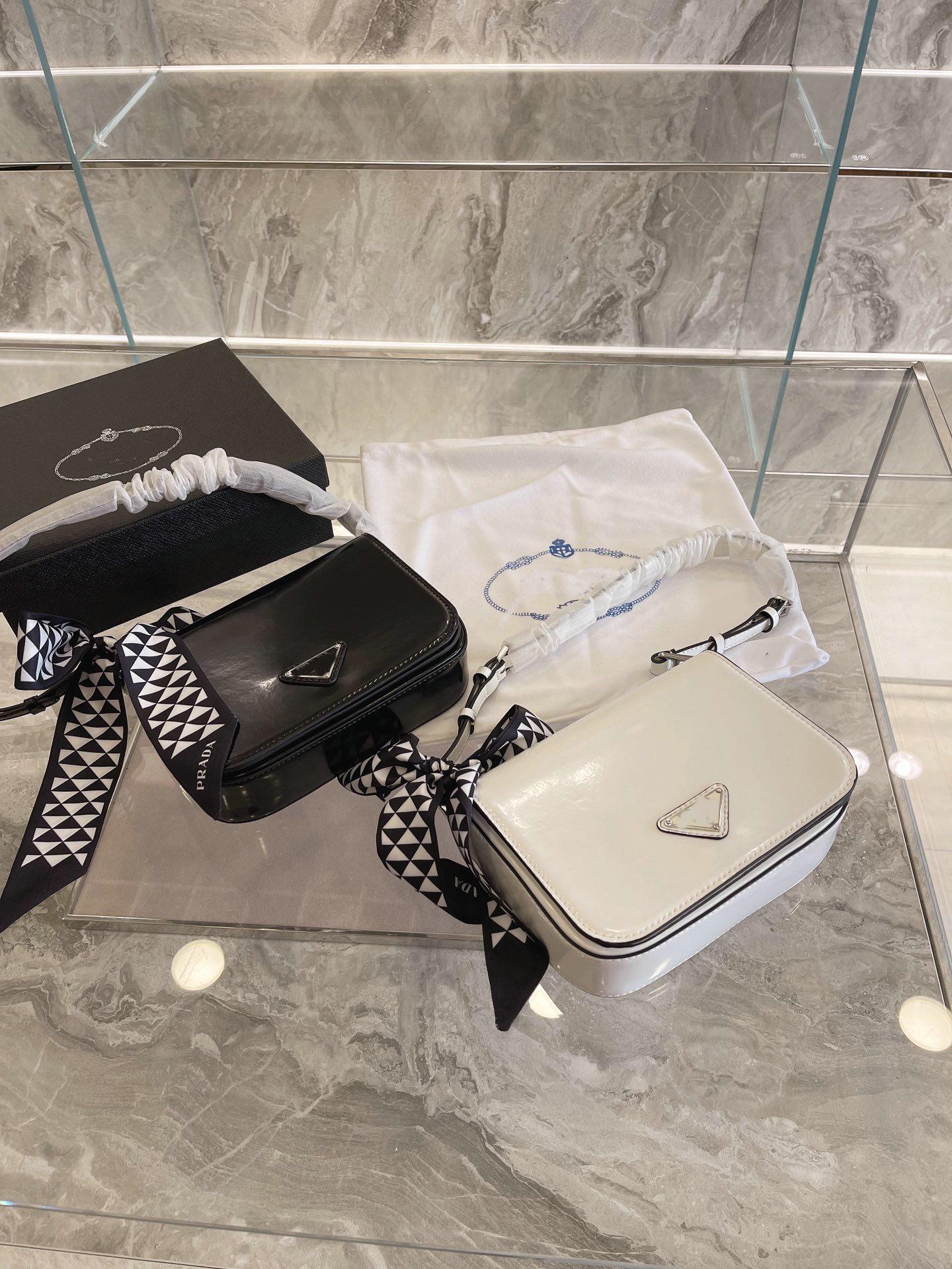 Wholesale designer bags shoulder bag women luxury underarm portable handbags fashion brand designer's tote with silk