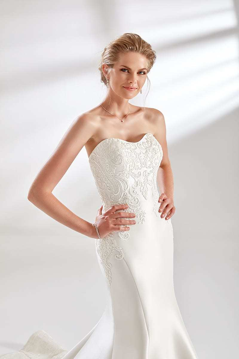 Eddy K Couture Mermaid Wedding Dresses With Long Train Strapless Appliques Satin Sheath Wedding Dress Sweep Train Bridal Gown