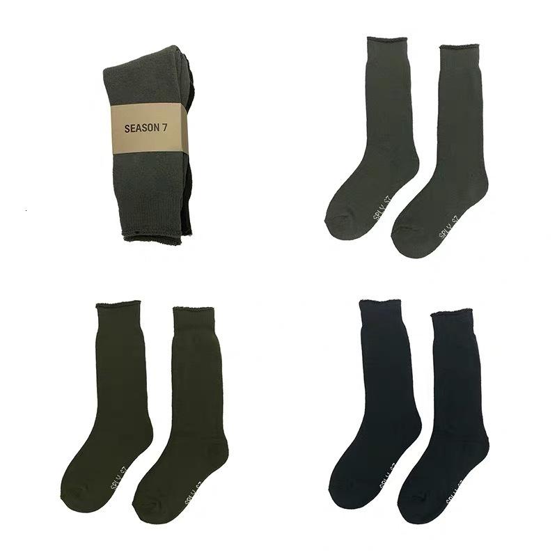 Mens Socks SEASON7 CALABASAS Sports Skateboard Fashion Mens Letter Printed Socks Sports Designer Socks Sockings Hip Hop /PACK