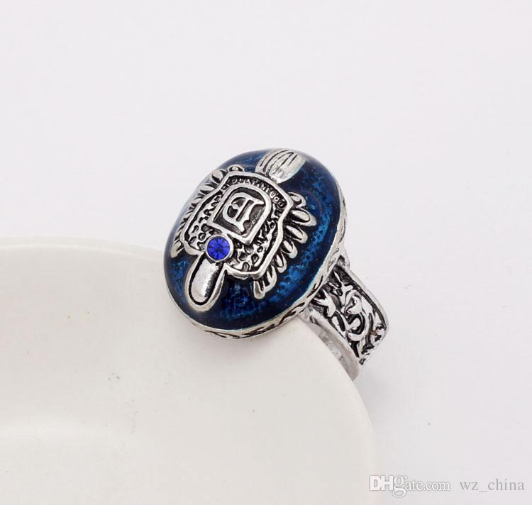 Classic Vampire Rings for Men Jewelry Blue Crystal Ancient Silver Anti-daylight Vintage Elena Punk Ring Wedding Gift