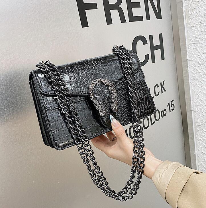 Factory wholesale women chain bag simple atmospheric pressure flower leather messenger bags street trend crocodile handbags retro Stone womens handbag