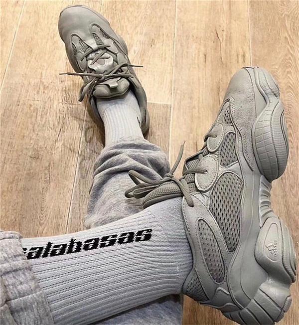 Mens Socks SEASON 6 CALABASAS Skateboard Fashion Mens Letter Printed Socks Sports Socks Sockings Hip Hop