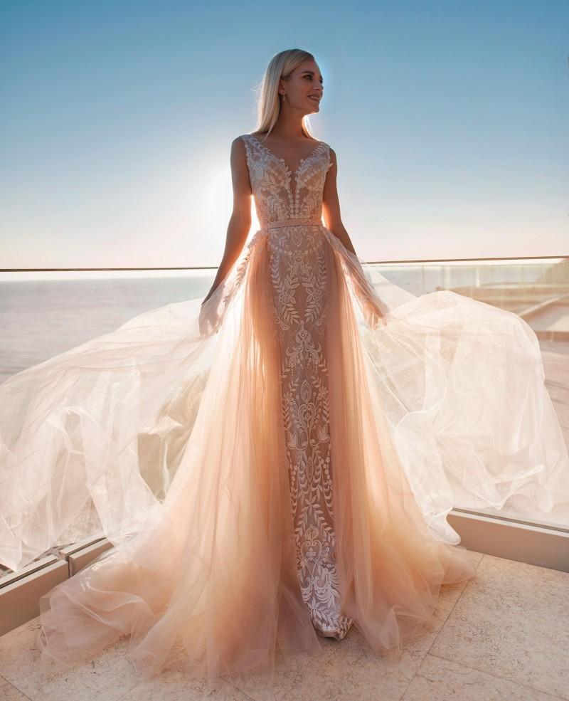 Mermaid Wedding Dresses With Detachable Train Deep V Neck Sleeveless Appliques Lace Wedding Gowns Sweep Train Plus Size Bridal Dresses