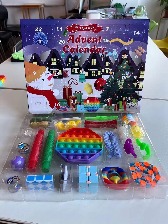 24pcs Set Christmas Fidget Toys Advent Calender Gifts Simple Dimple Decompression Toy Push Bubbles Xmas Gift Sea Way Party Favor RRA