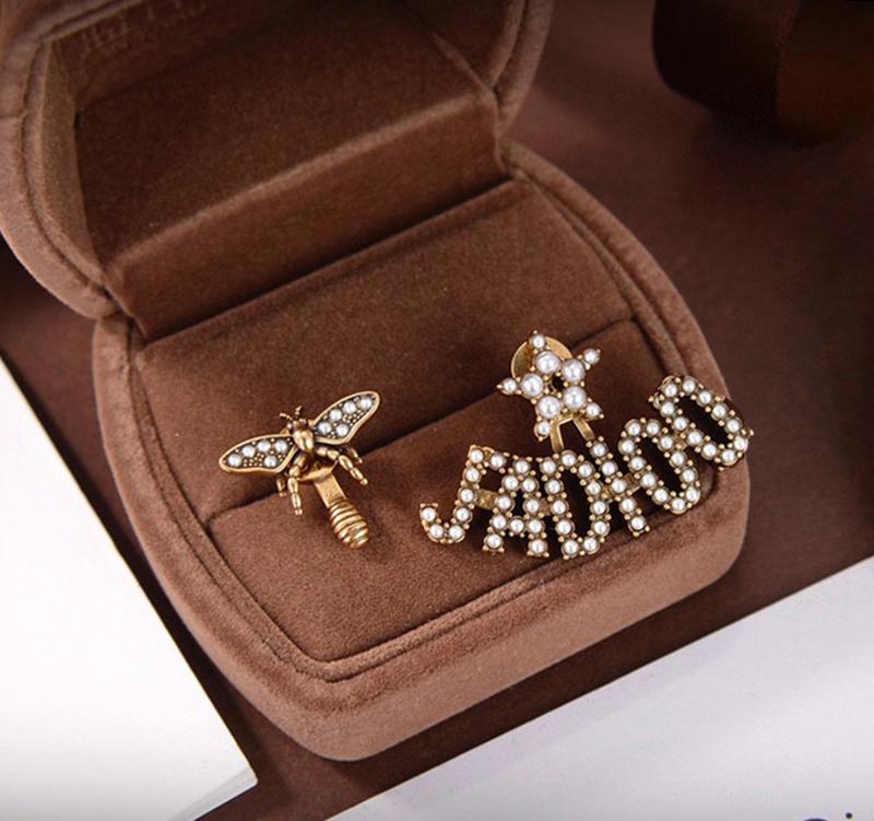 D earring asymmetrical size pearl earrings star web celebrity same style Di home vintage bee earringback