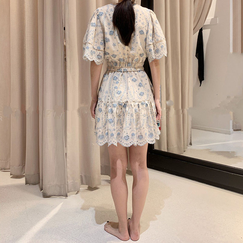 Australia ZIM spring and summer V-neck flared sleeve hollow embroidery chain link flower waist dress