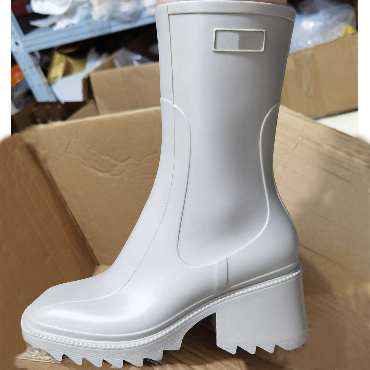 Cycuviva Square toe Rain boots for Women Chunky Heel Thick Sole Ankle Boots Designer Chelsea Boots Ladies Rubber Boot Rain Shoes Y0910
