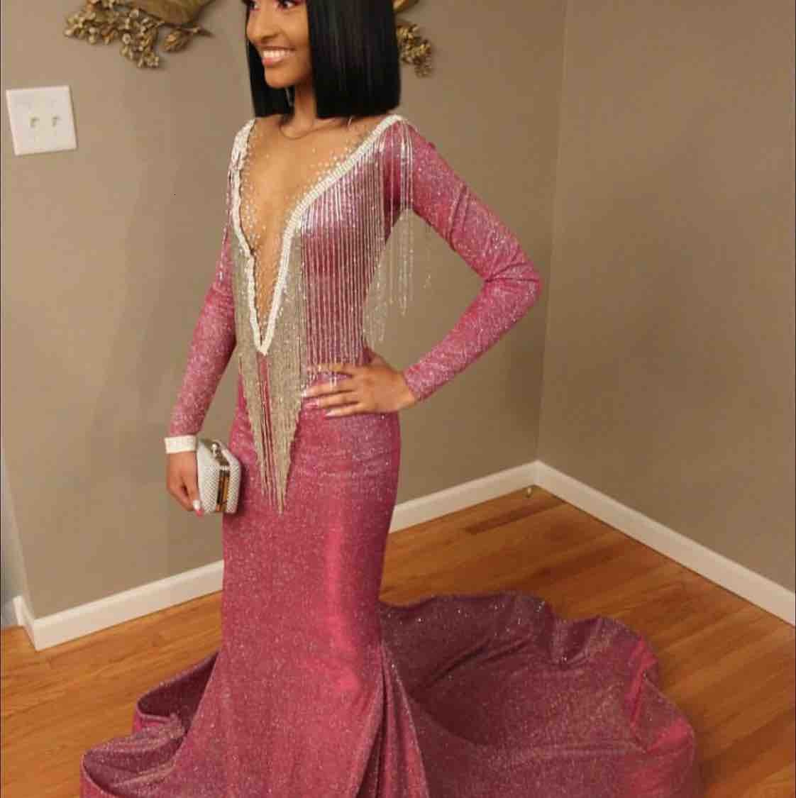 2021 Bling Bling Top Sequined Mermaid Long Prom Dresses Slim Long Sleeves Fringes Beaded Sweep Train Formal Evening Party Wear Gowns