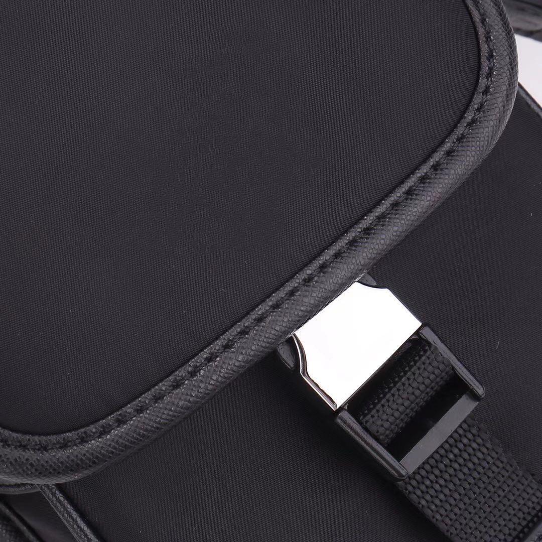 Dicky0750b Fashion Canvas Cross Body Bag Men Fashion Messenger Bag Satchel Waterproof Canvas Shoulder Bag Parachute Fabric Men Camera Purse Wholesale
