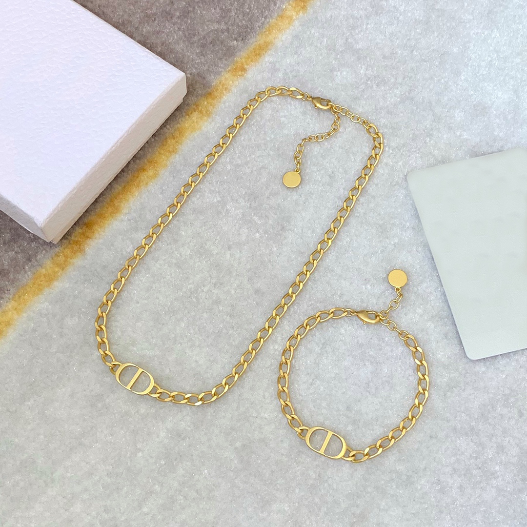 Fashion Alloy Gold Necklace D Family Gift for Men Women with Packaging Luxury Jewellery