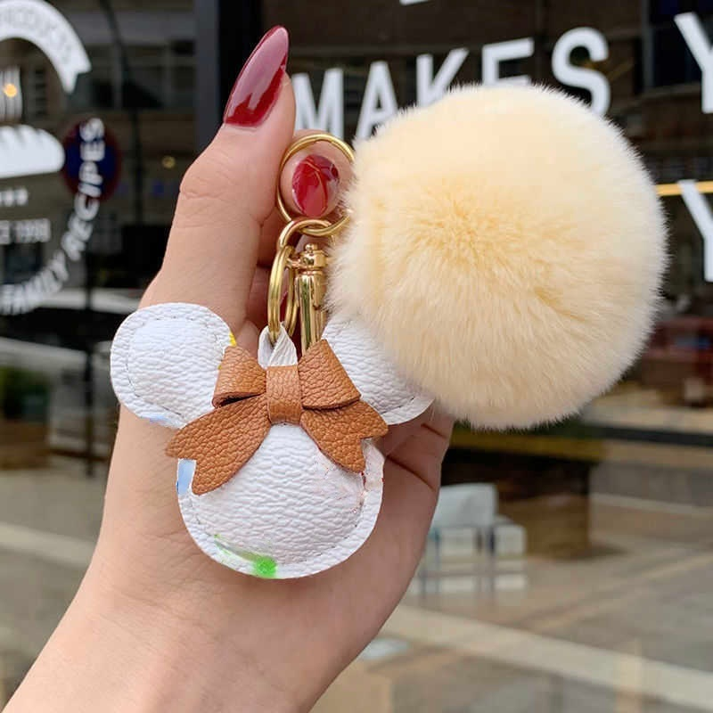 Fashion designer leather key chain odd odd key chain creative couple luxury car key chain ring pendant bag pendant accessory