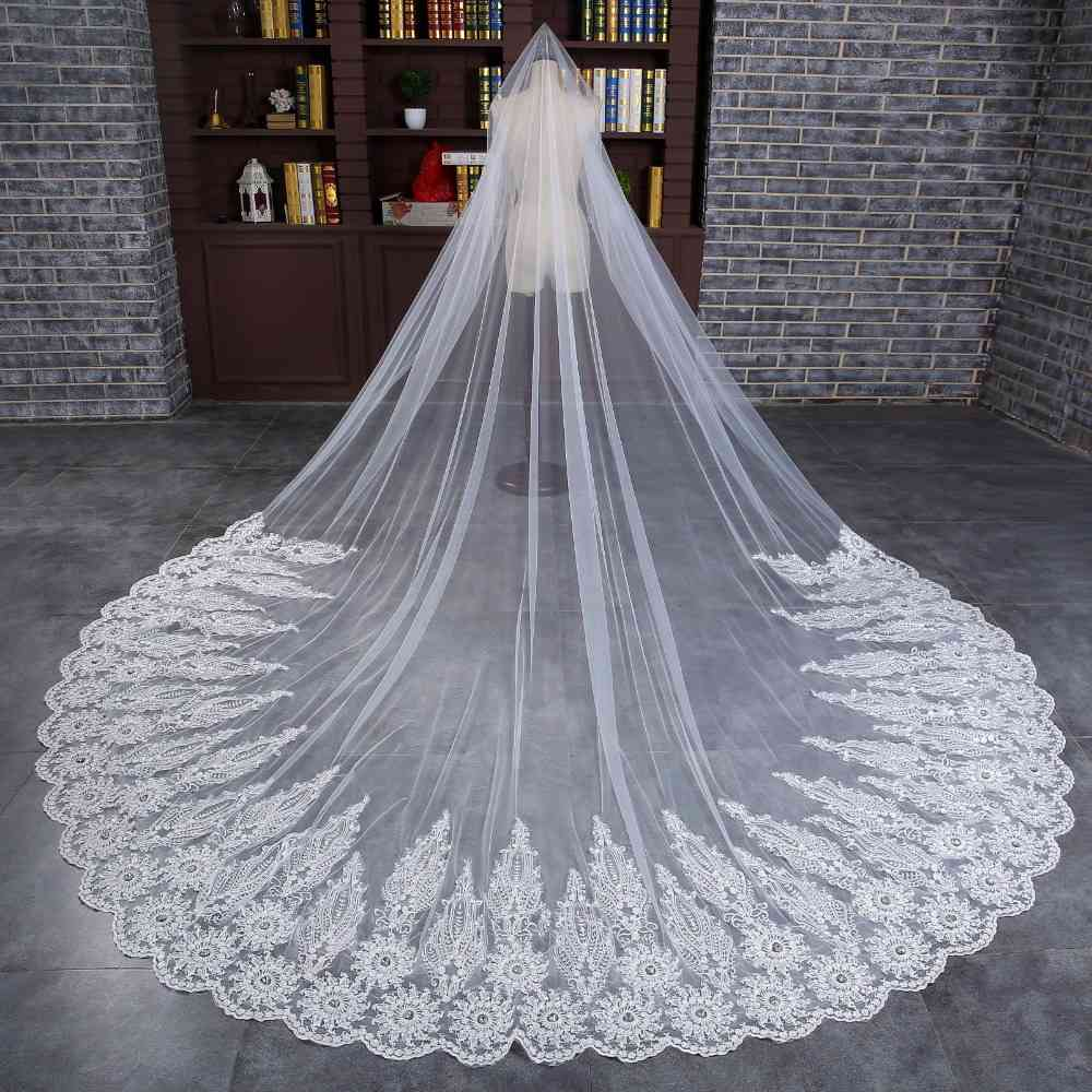Romantic 1 Tier Wedding Veils 2020 Custom Made Champagne White Ivory Cathedral Length Lace Applique Bridal Veil Top Quality