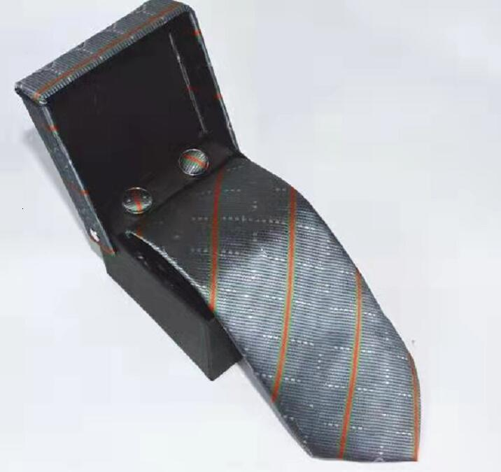 Mens designer Tie Silk Necktie Handkerchief Cufflinks Gifts box set Solid Red Yellow Ties For Man Business Wedding Gift Party