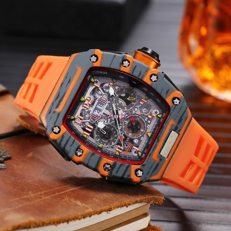 2021 New High Quality Mens Watch Quartz Chronograph Mens watch Rubber Strap Sport Men Watches Male Wristwatches