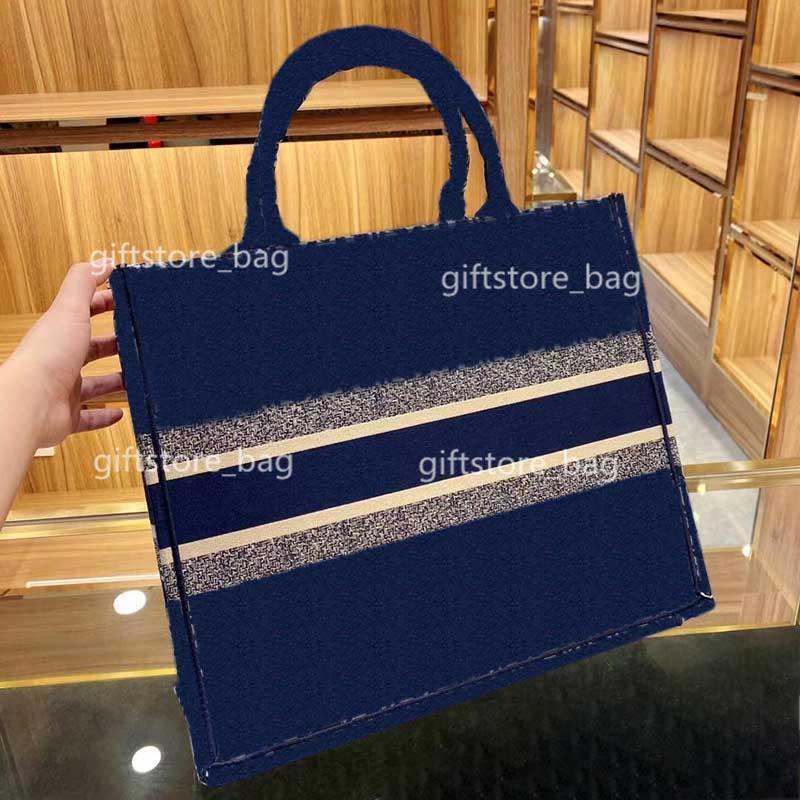 2021Backpack ladies freeshipping chain messenger bag handbag round designer wallet high quality womenmessengerbag