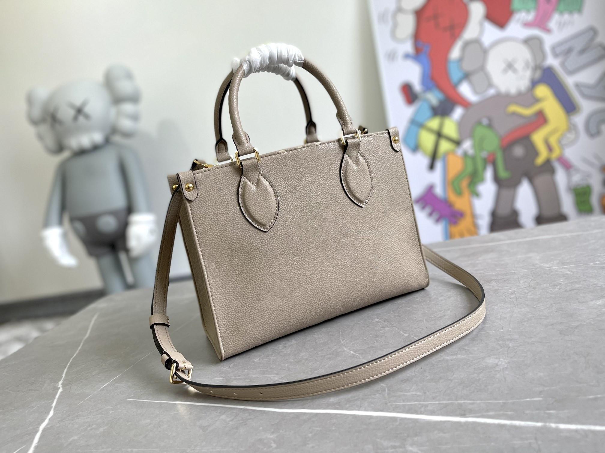 2021 Louis VuittonSS Ladies Crossbody Bag Vintage Handbag Plain Classic Letter Cowhide Double Handle Delicate Tote Bags Women Fashion Shoulder Handbags Totes