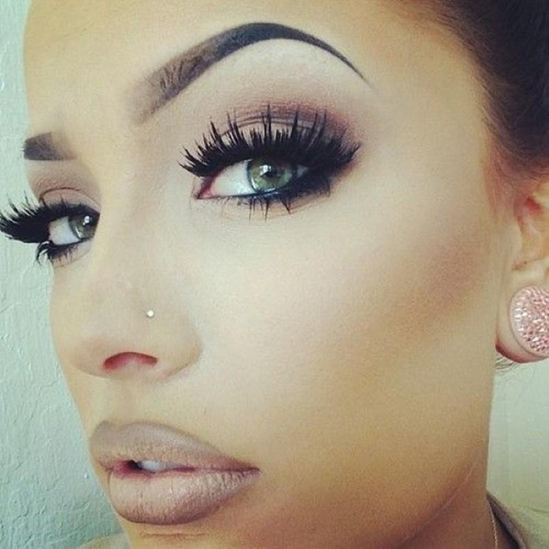 Nose-stud-on-make-up-model