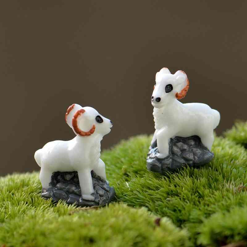 Mini Simulation Goat Miniatures 2Pcs Resin Craft Decoration Garden Lawn Ornament