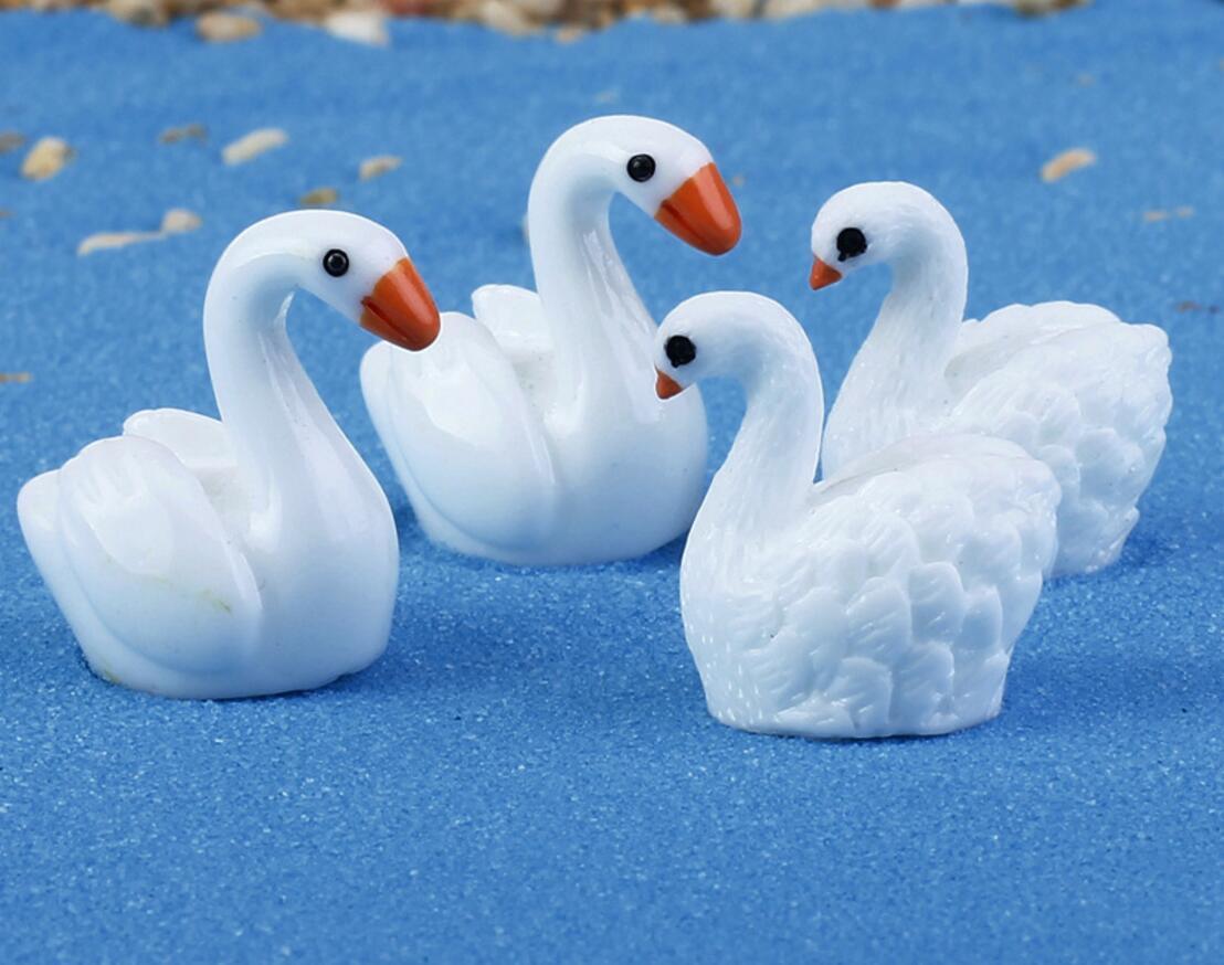 2pcs Swan Animal Bowknot Wooden Clothes Hanger for Kids Children Home Decor