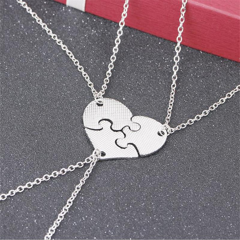 Women Letter Pendant Necklaces In Heart Shaped Fashion Gold Silver Jewelry Chain For Sisters Couple Stitching Necklace Party Club Present