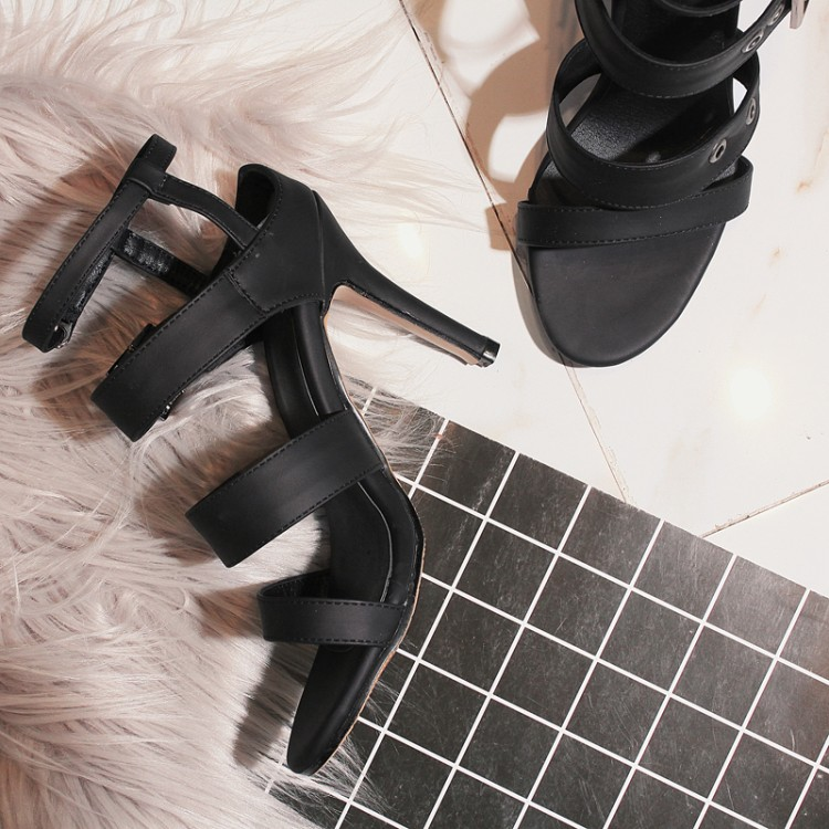 Kadın Punk Rock Yüksek Topuklar Çivili Perçin Ayak Bileği Kayışı Sandalet Yaz Bayanlar Bandaj Çözgü Ayakkabı CerdaChic Artı Boyutu Kırmızı Siyah