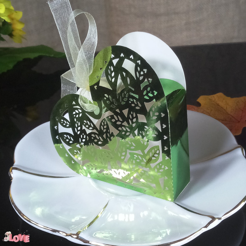 Heart Shaped Wedding Candy Box Holder Baby Shower Candy Box for Wedding Anniversary with Ribbon Carriage Benefit Box 5ZT01