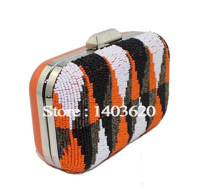 1042-8 clutch bag (1)