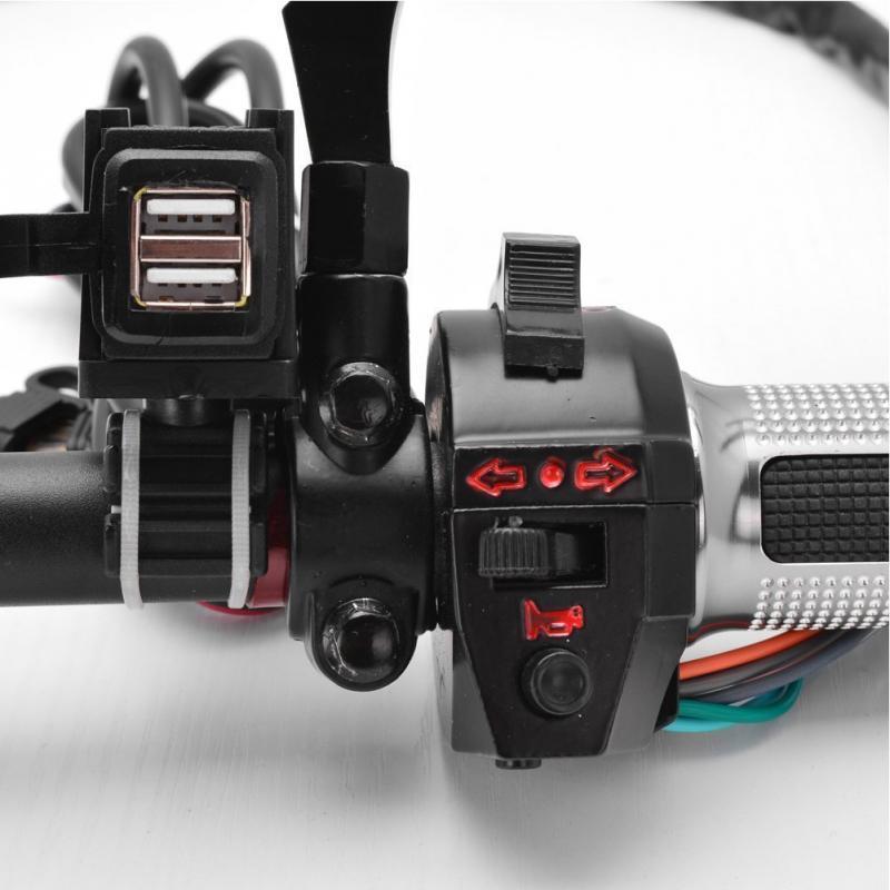 Caricabatteria da auto moto caricabatterie da 12 V impermeabile 2 USB Caricatore presa di corrente GPS Accessori moto AAA1008