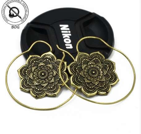 Diamoen Orecchini della Piuma delle Ragazze delle Donne ha Perforato Il Disco Rotondo della Nappa del Fiore della Lega Lungo Nazionale ciondola Eardrop Accessori