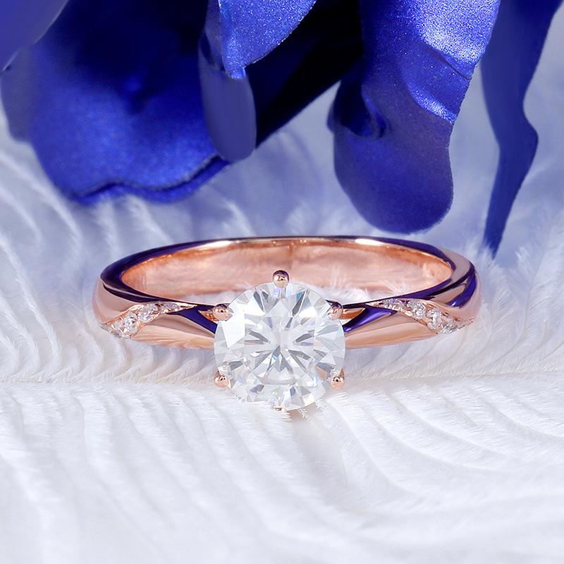 rose gold moissanite emgagement ring (4)