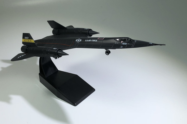 Military Alloy Simulation Black Bird SR71 Reconnaissance Model 1:144 Plastic Ornaments Toys Collection Gifts