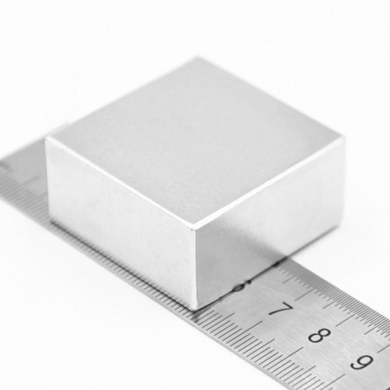 50pcs 10mm x 5mm x 2mm Raro Terra Piccolo NEO magnetico sottile Calamita al neodimio Block