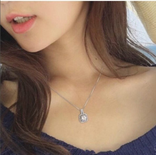Fashion Jewelry Round Simulated Diamond Stone Square Pendant Silver Chocker Chain Necklace Necklaces For Women