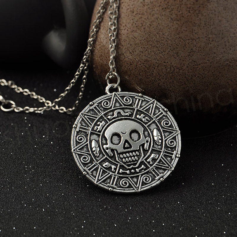 Vintage Bronze Gold Coin Pirate Charms Aztec Coin Necklace Men's Movie Pendant Necklaces for Lady Xmas Gift Fashion Accessories GGA1090