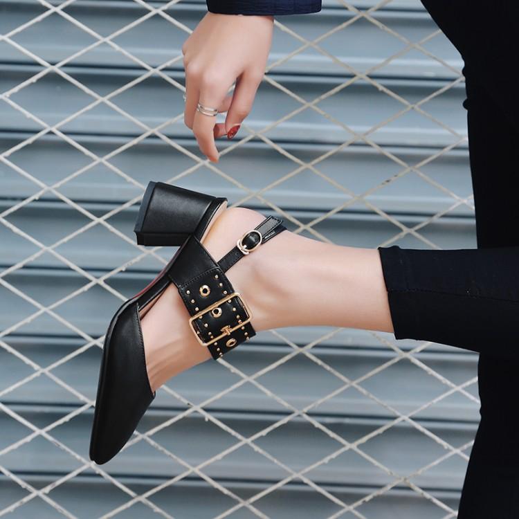 Kadın Yaz Sivri Burun Ayak Bileği Kayışı Yüksek Topuklu Sandalet Punk Rock Toka Seksi Bayan Ayakkabı CerdaChic Moda Siyah Kırmızı Beyaz