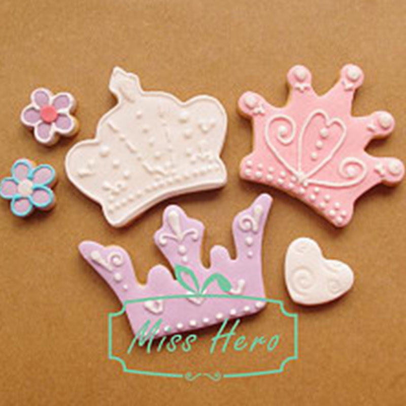 Royal Crown Icing Set Stamp Mold Pancake Biscuit Cookie Cutter Kitchen Tools Stainless Steel