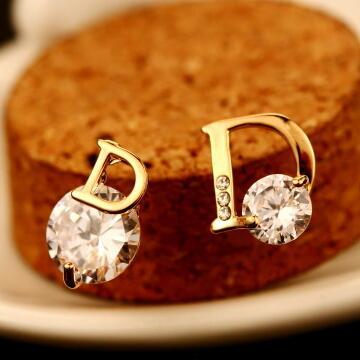 Hot Sale Fashion Luxury Jewelry Zircon Earrings for Women Wedding Jewelry Top Quality 18K Gold Plated Letter D Pattern Stud Earrings
